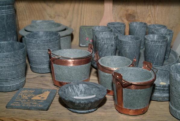 prodotti tipici artigianato la pietra ollare