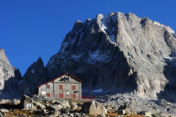 Il Rifugio Gianetti ed il Pizzo badile (foto Beno)